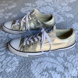 Converse Unisex Sneakers in Light Gold